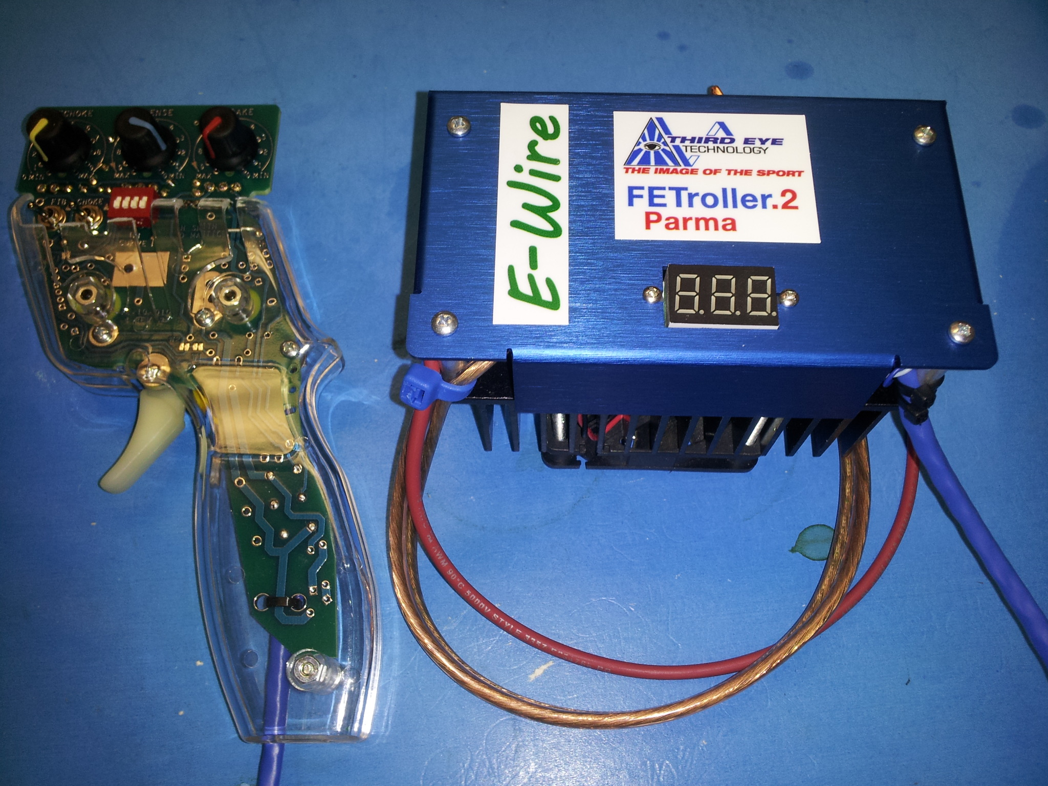 Fully Electronic Slotcar Controllers by Third Eye Technology